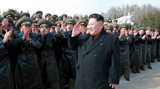 Кім Чен Ин і його армія