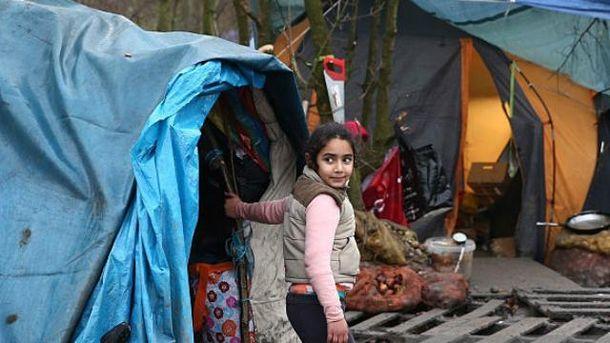 Девочка в лагере беженцев