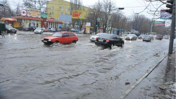 Затоплені вулиці Маріуполя