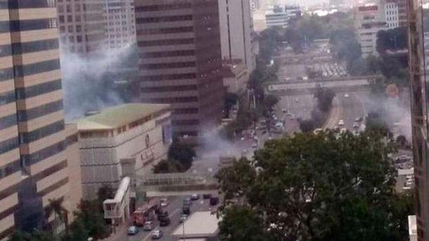 Устолиці Індонезії пролунало кілька вибухів