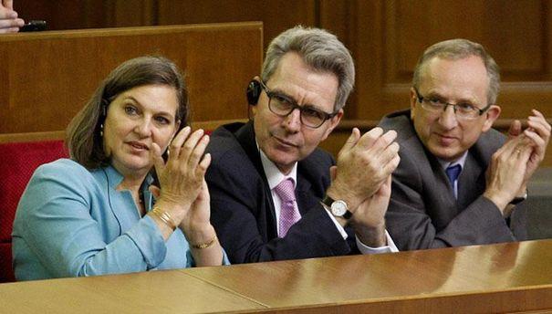 Банковій повідомили про результати переговорів Нуланд і Суркова,— посольство США