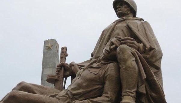 Советский монумент