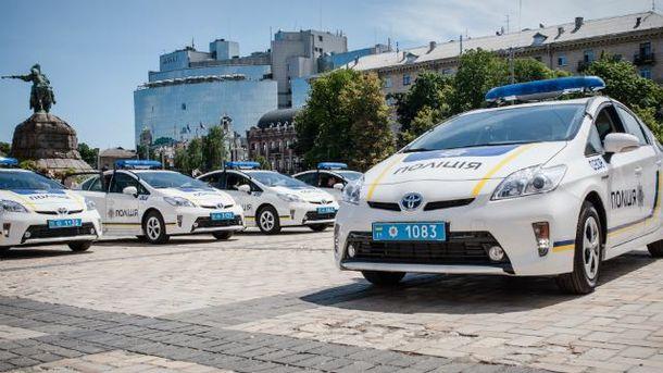 """Как новая полиция """"шагает"""" по Украине — инфографика"""