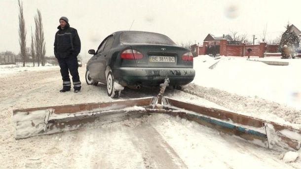 Сам себе автодор. Мужчина сам разработал снегоочистительный механизм