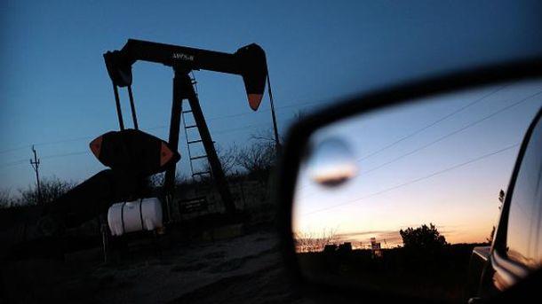 Нафта знову повзе вниз: заBrent дають трохи більше 28 доларів