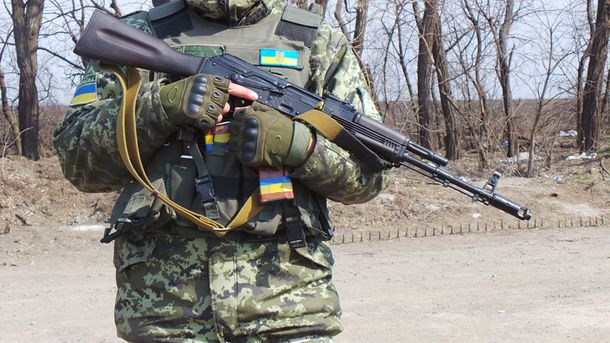 НаДонбассе засутки ранены шестеро украинских воинов