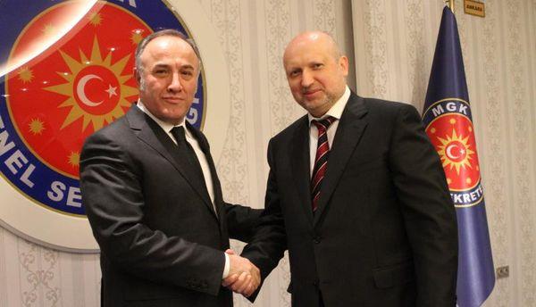 Сейфуллах Хаджимуфтюогл і Олександр Турчинов