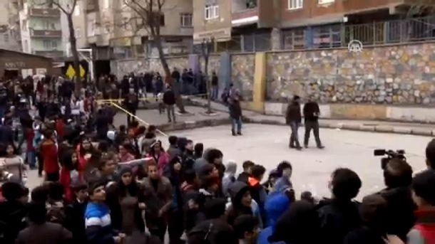 На территории турецкой школы