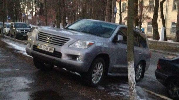 Lexus-нарушитель