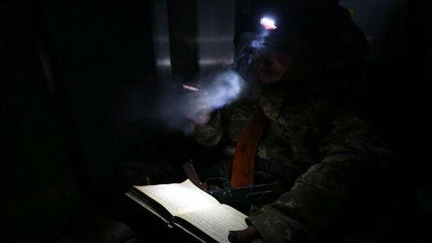 Український солдат під час оборони донецького аеропорту
