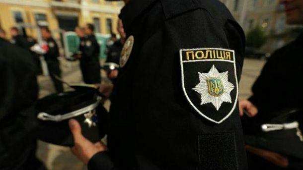 Водій побив поліцейського