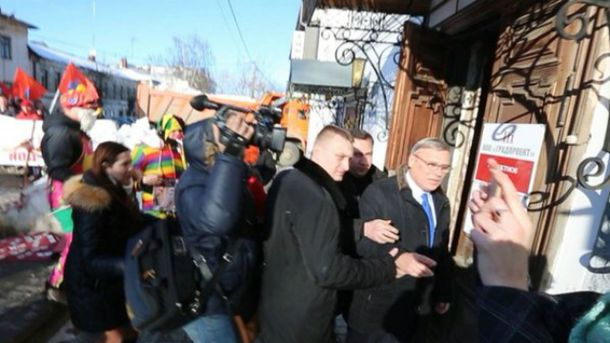 Касьянова забросали яйцами