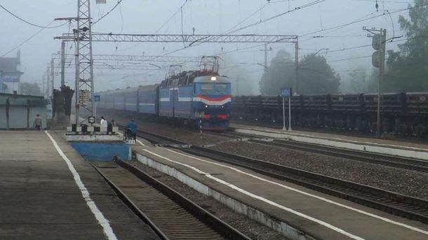 В итоге подрыва под Донецком 7 вагонов сошли срельсов