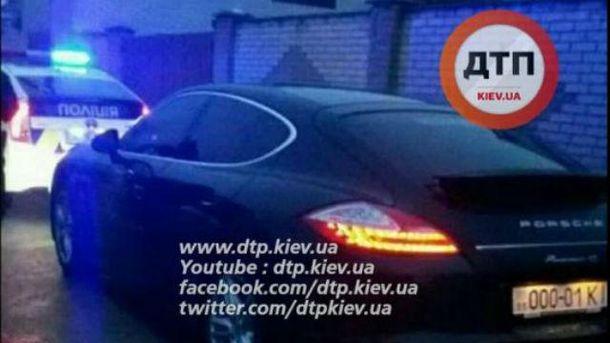 Патрульні затримали Porsche Panamera