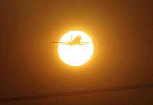 Літак у небі