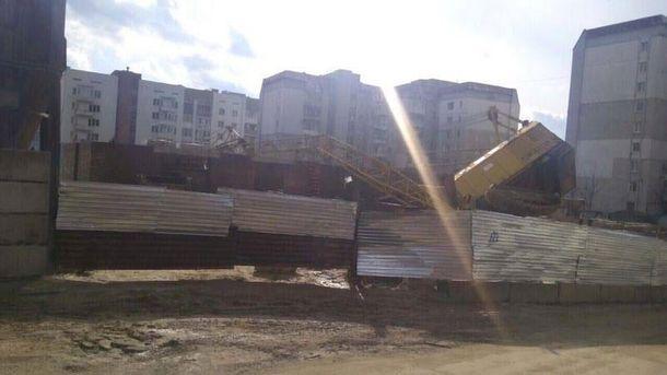 У Львові впав будівельний кран