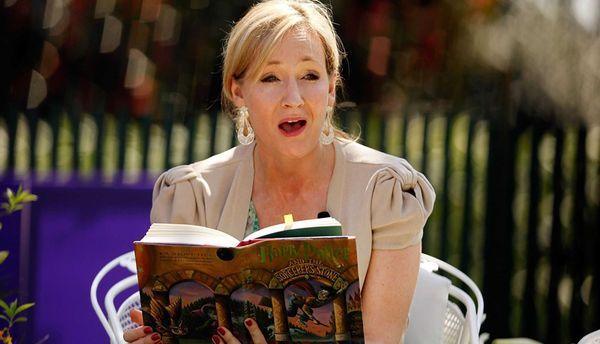 Джоан Роулинг выпустит цикл рассказов, связанных ссобытиями книжек оГарри Поттере