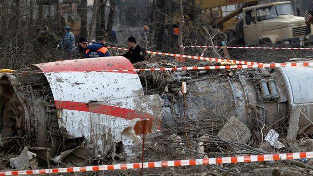 Обломки самолета Леха Качиньского
