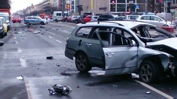 Машина после взрыва