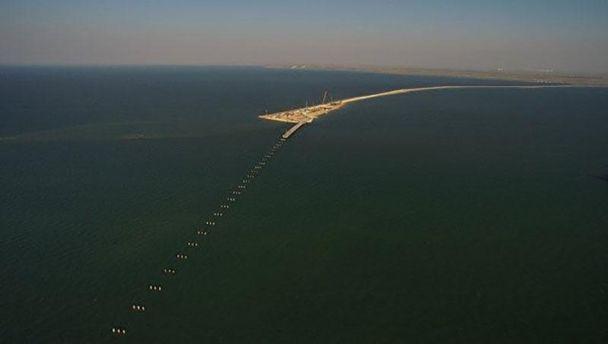 Строительство временного моста через Керченский пролив