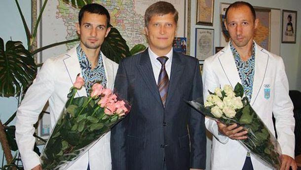 Євген Головін (посередині)