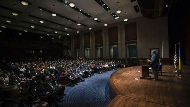 Петро Порошенко на форумі у Вашингтоні