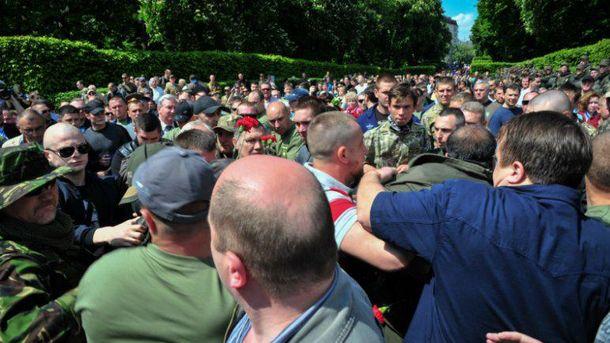 Столкновения в Киеве, 9 мая
