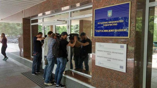 Журналисты снимают обыски в офисе