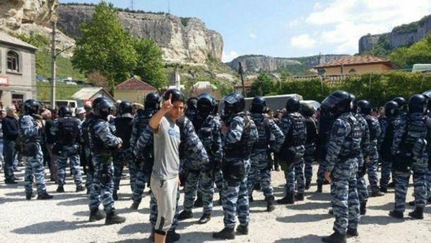 В Крыму начались массовые обыски татар