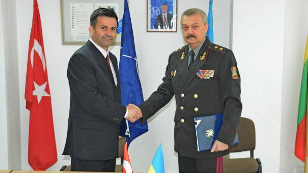 Україна й Туреччина підписали план військового співробітництва