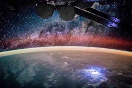 Звездное небо из космоса