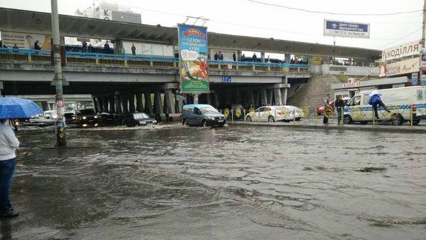 Сильный ливень в Киеве