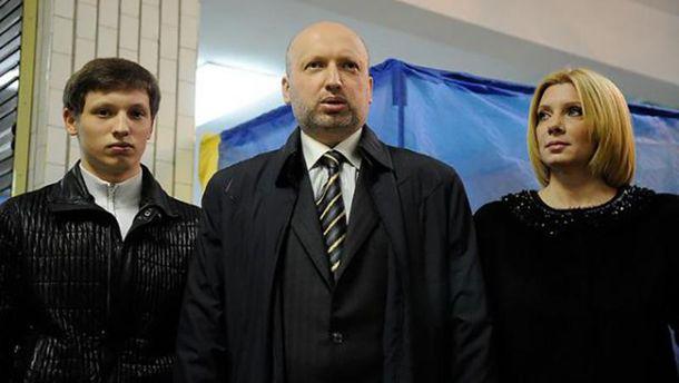Александр Турчинов с семьей
