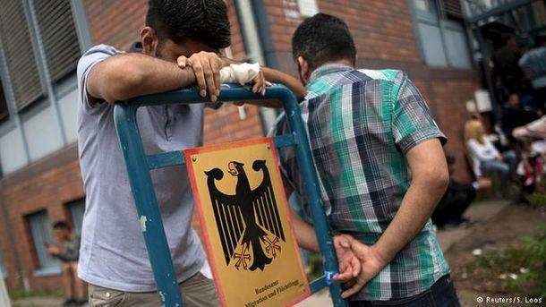 Беженцы должны будут выучить немецкий язык и правила жизни в стране
