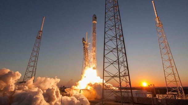 Ракета Falcon 9 тричі успішно приземлилась на морську платформу