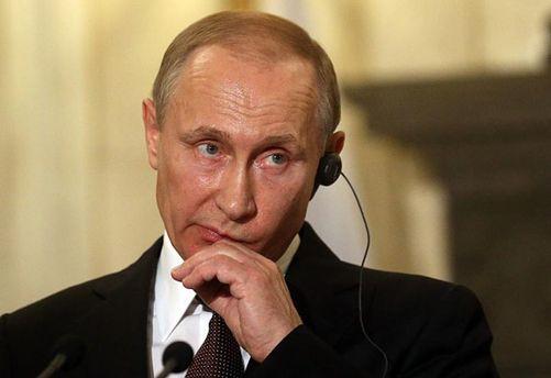 Путин опять кого-то хочет
