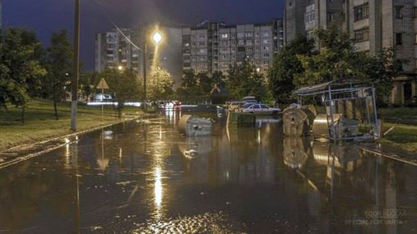 Наибольший спальный район Львова затопило после ливня