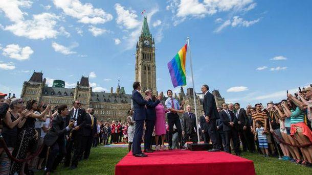 Канадський прем'єр не припиняє підкуповувати прихильників
