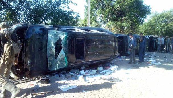 Разбитые автомобили в поселке Обыще