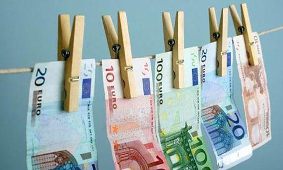 197 украинцев подозреваются в отмывании денег