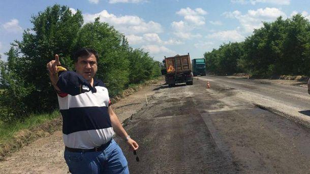 Саакашвили теперь буквально будет работать на трассе