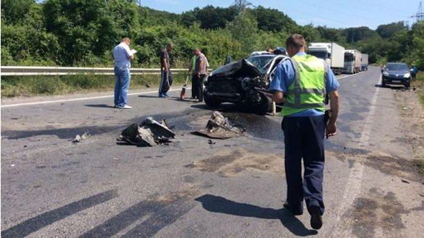 В результате аварии 2 человека погибли