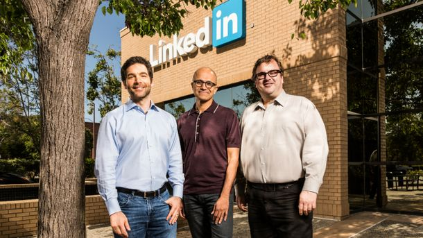 Microsoft придбав LinkedIn