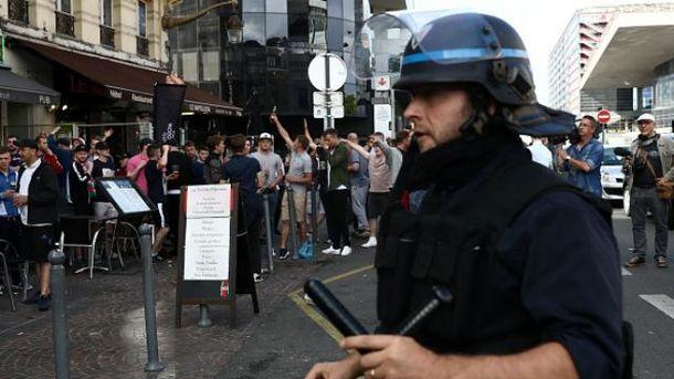 Французькій поліції на час євро можна лише поспівчувати