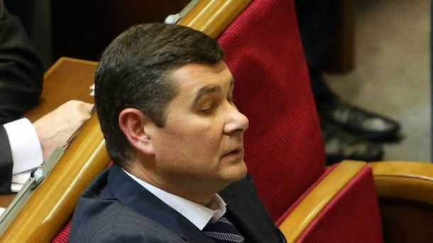 Арестовали лишь один из из частных самолетов Онищенко