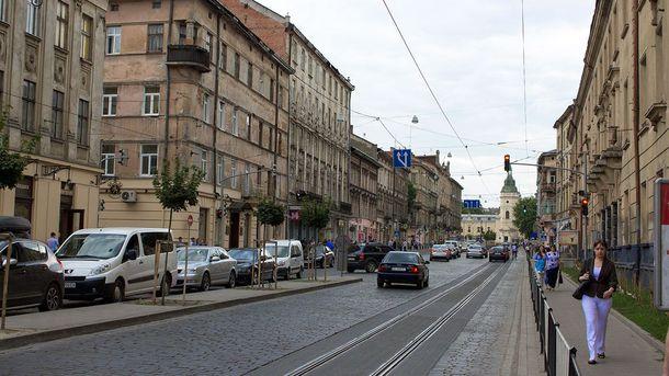 Чоловіка помітили на вулиці Городоцькій