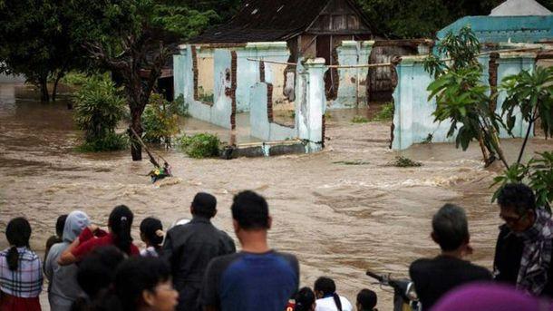 Индонезия страдает из-за непогоды