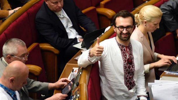 Лещенко не хоче бачити на своєму місці чергову куму Порошенка