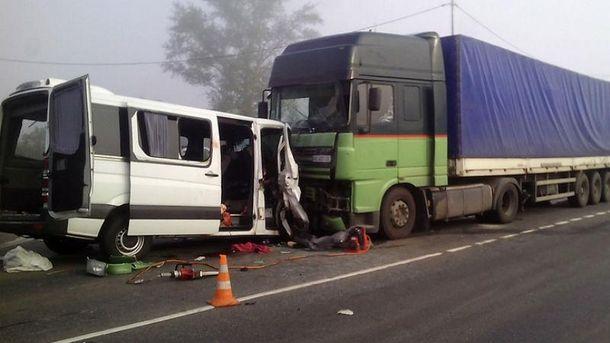 Страшна аварія забрала життя 6 людей