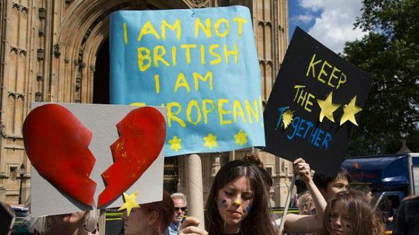 Британцы голосуют за еще один референдум